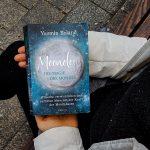 """""""Moonology"""" – deine Anleitung zum erfolgreichen Manifestieren deiner Wünsche"""